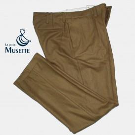 Pantalon Moutarde, Luxe