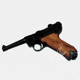 Luger P08 - Wooden Handles