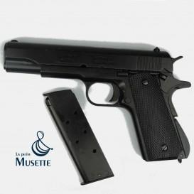 Colt 1911 A1, Black grips